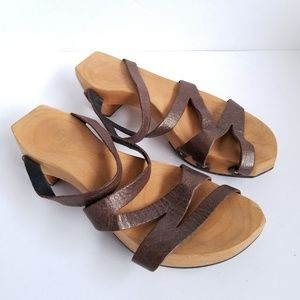 e8e64e79a00 Cydwoq Rebel Clog Sandal Leather Strap Wooden Sole